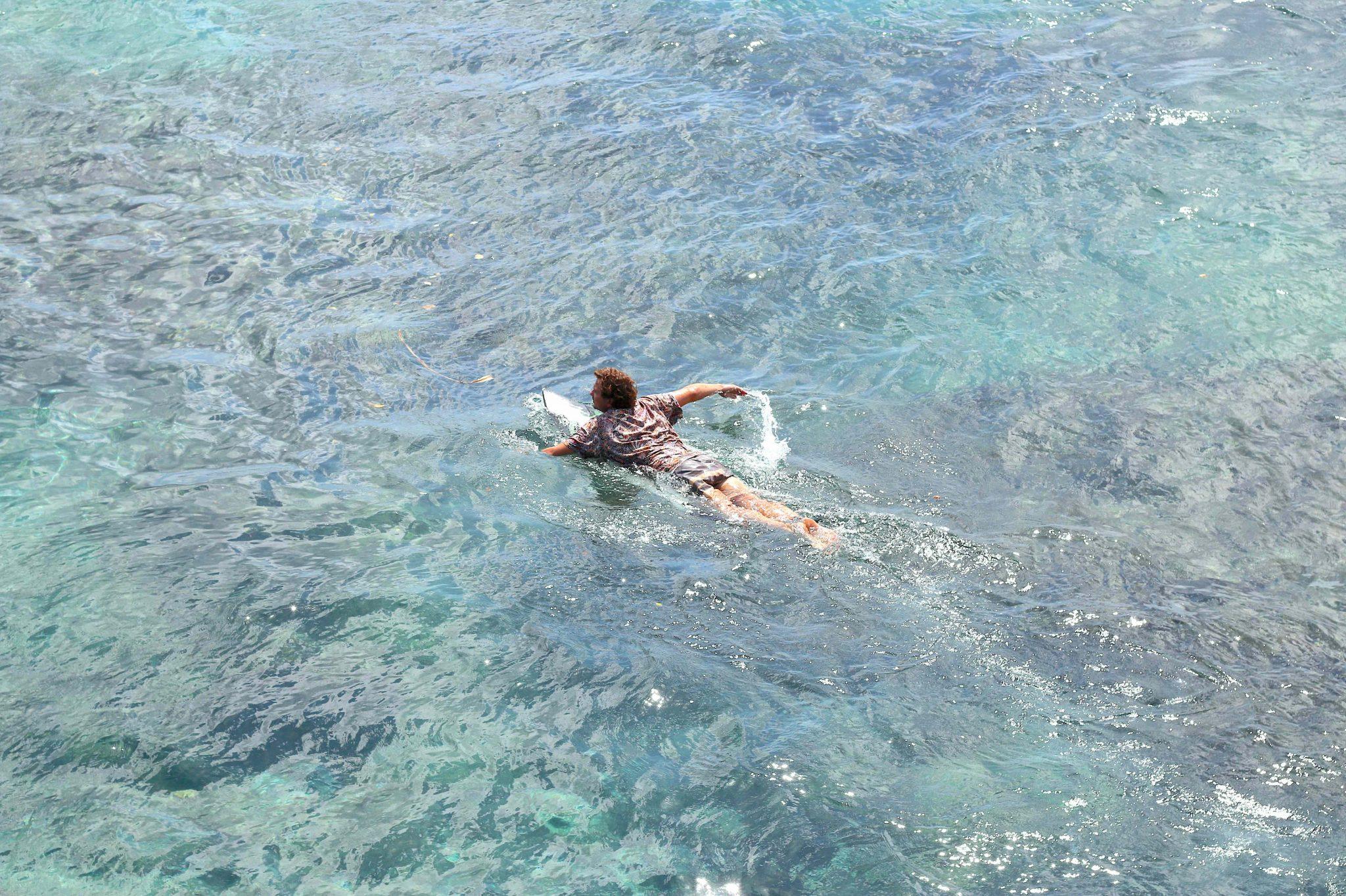 Eddie Villmow beim rauspaddeln Shipwrecks