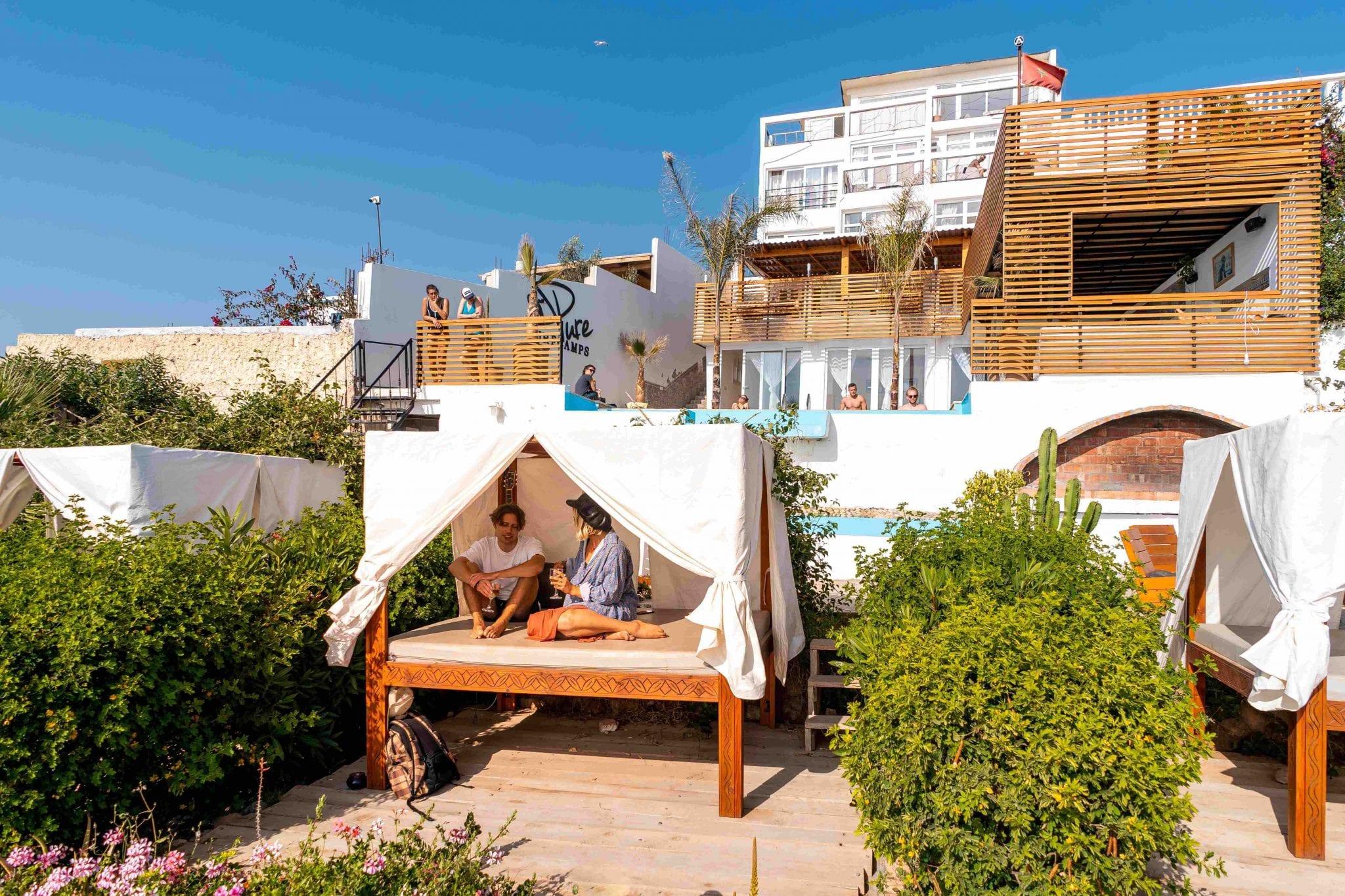 Puresurfcamps_Marokko_Surfcamp_Liegewiesedraußen