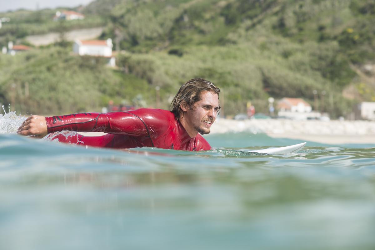 Wie paddelt man richtig ins Line Up_Nic von Rupp surfs