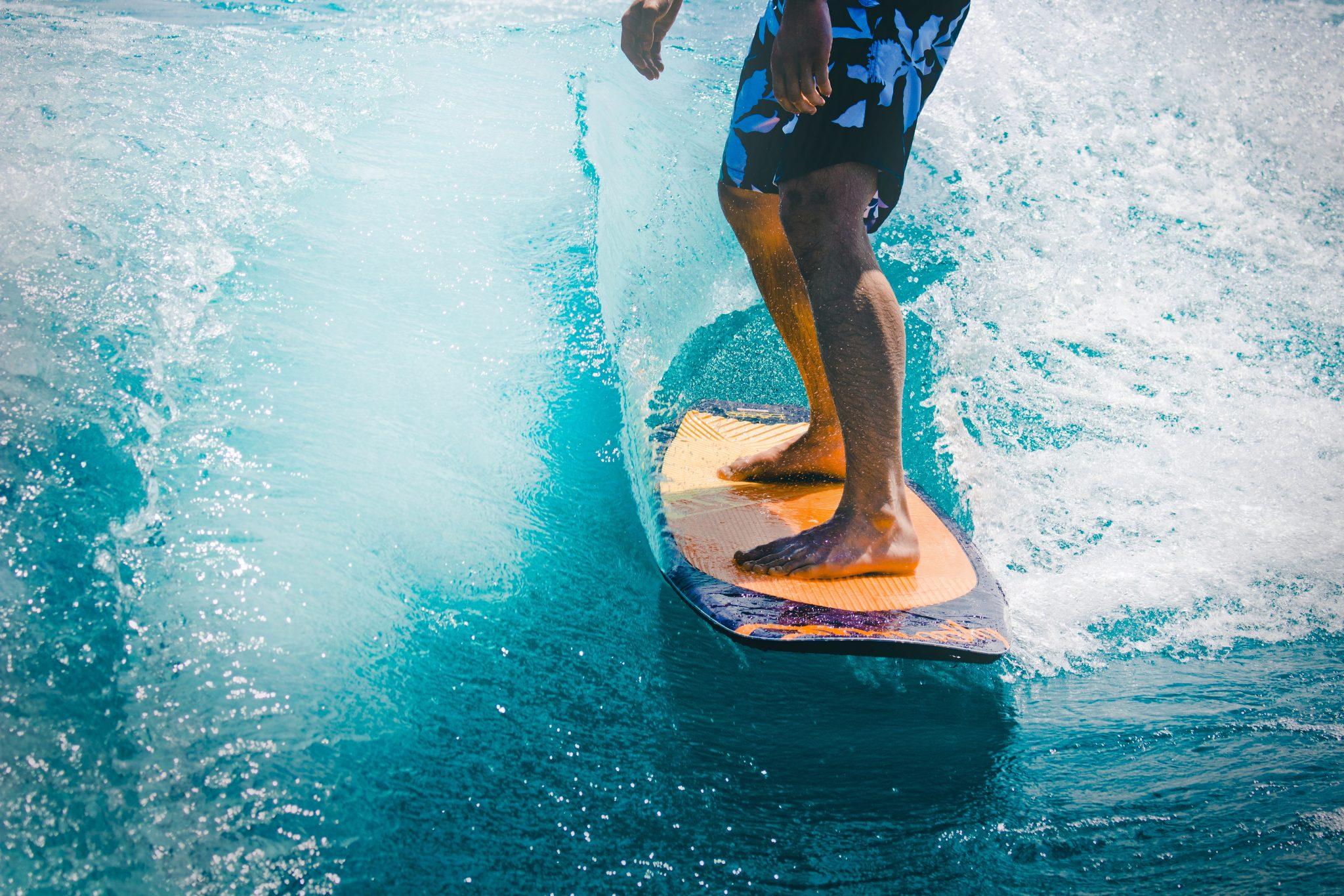 die richtige fussstellung beim surfen