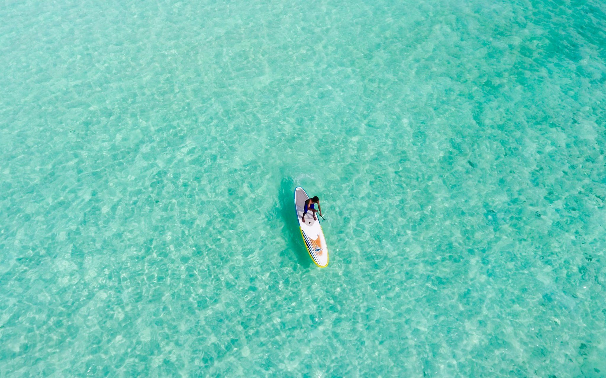 SUP surfer in Portugal beim SUP Urlaub im Surfcamp